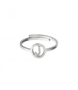 Zilverkleurige ring met initiaal J in cirkel