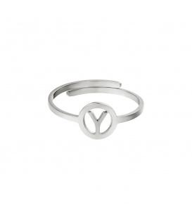 Zilverkleurige ring met initiaal Y in cirkel