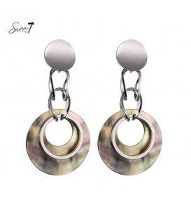 Zilverkleurige oorhangers met een schelpen hanger