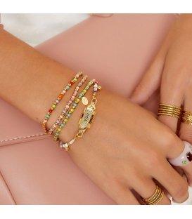 Armband met goudkleurige, groene en blauwe kralen