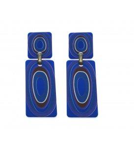 Blauwe langwerpig rechthoekige oorbellen met rode en paarse accenten