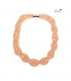 Licht oranje gevlochten halsketting met strass steentjes in mesh