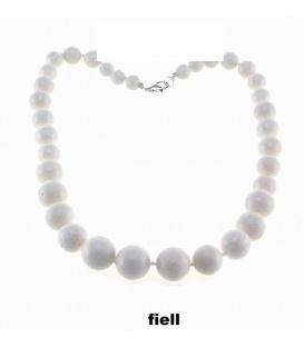 Witte korte halsketting met kralen van verschillende grootte