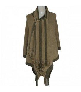 Groenbruine poncho met sjaal