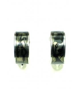 Halfronde grijze metalen oorclips