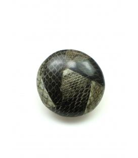 Mooie grijze oorclips met slangehuid print