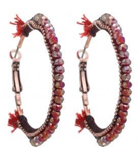Rode gekleurde oorbellen met mooie details