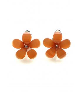 Mooie oranje oorclips in de vorm van een bloemetje