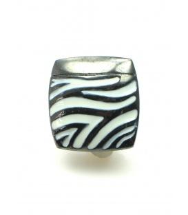 Vierkante metalen oorclips met zebra print